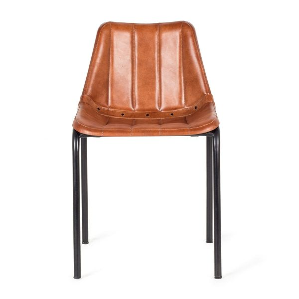 Chaises vintage en cuir.