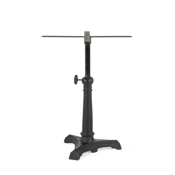 Table central leg.