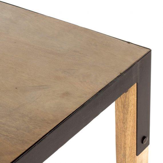 Imagen de detalle de la mesa alta para bar.