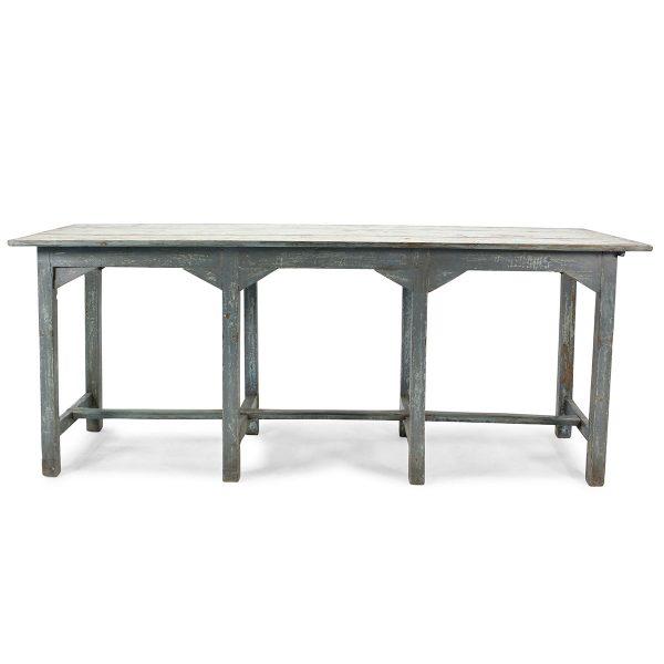 Mesa en madera antigua.
