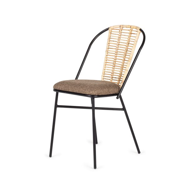 Rattan chairs suitable for restaurants.