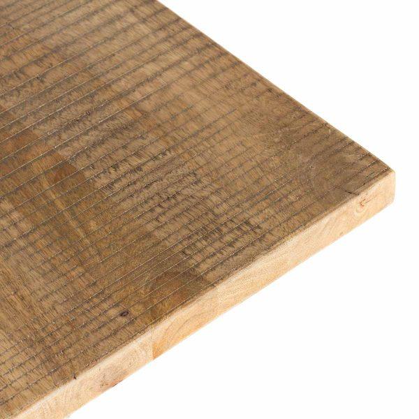 Détail du plateau de la table carrée Gisela.