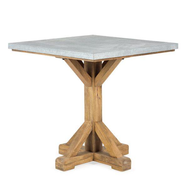 Mesa cuadrada.