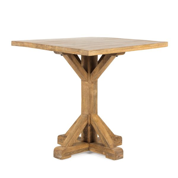 Tables en bois.