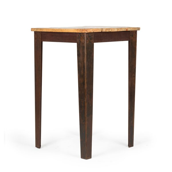 High square table.