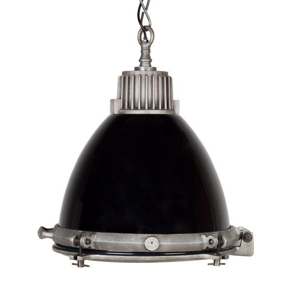 Lampes au style industriel.