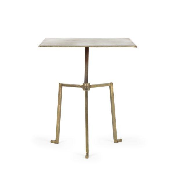 Tables dorées.