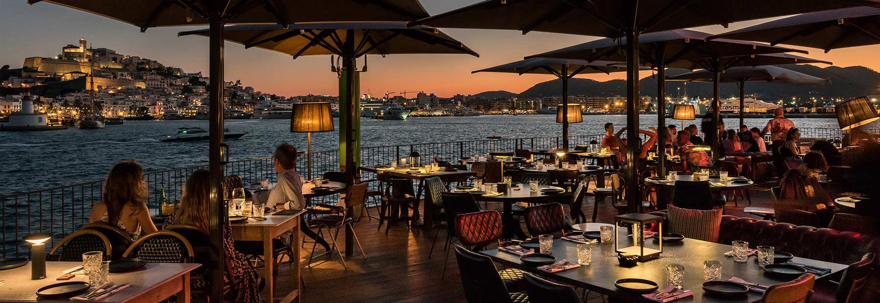 Interiorismo restaurante Ibiza.