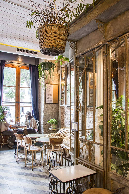 Decoración de interiores para cafeterías en Madrid.