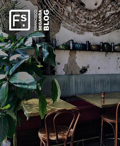 Interiorismo de restaurantes de estilo ecléctico.