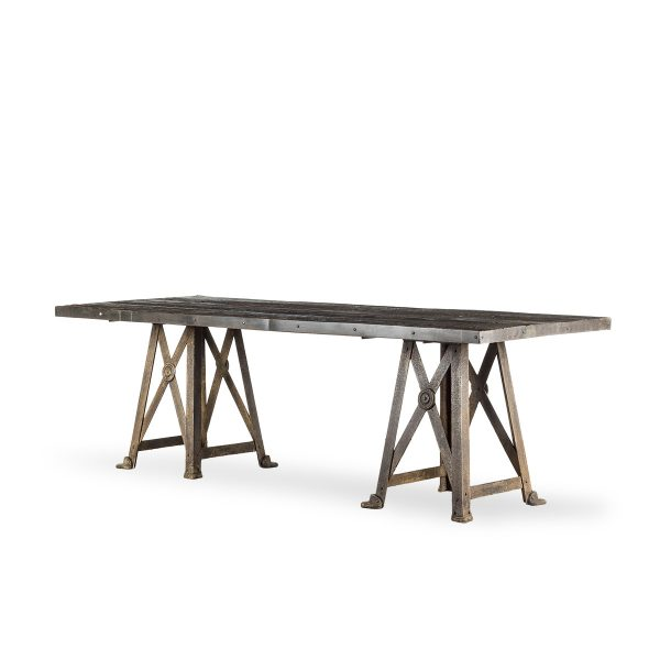 Rectangle restaurant table.