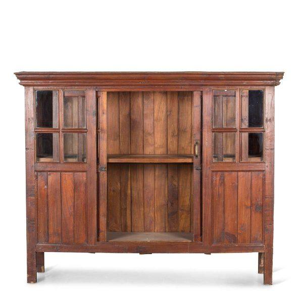 Alacena vintage de madera.