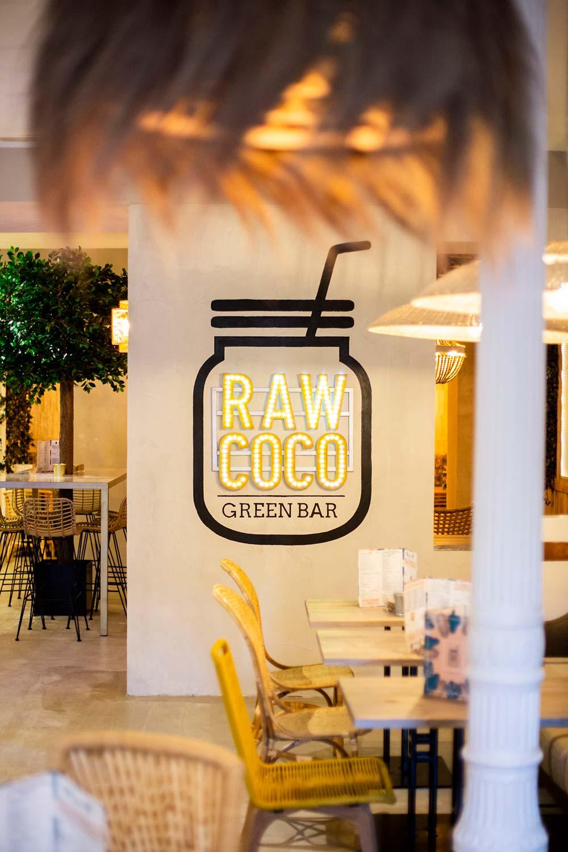 Interiorismo en el restaurante Rawcoco de Madrid.