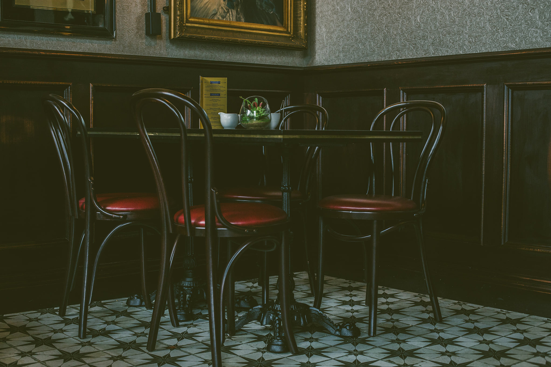 Sol hydraulique FS Stard au Café Parisien.