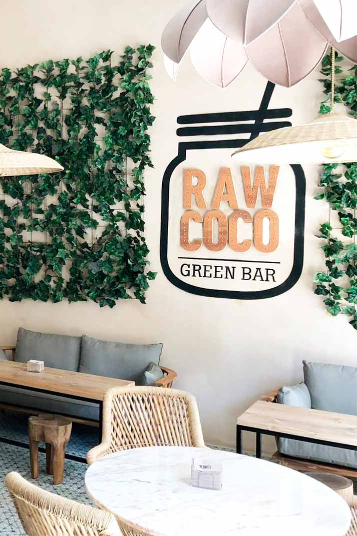 Décoration intérieure du restaurant Rawcoco de Palma.