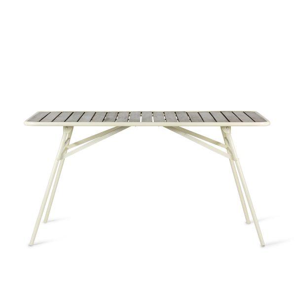 Restaurant foldable tables.