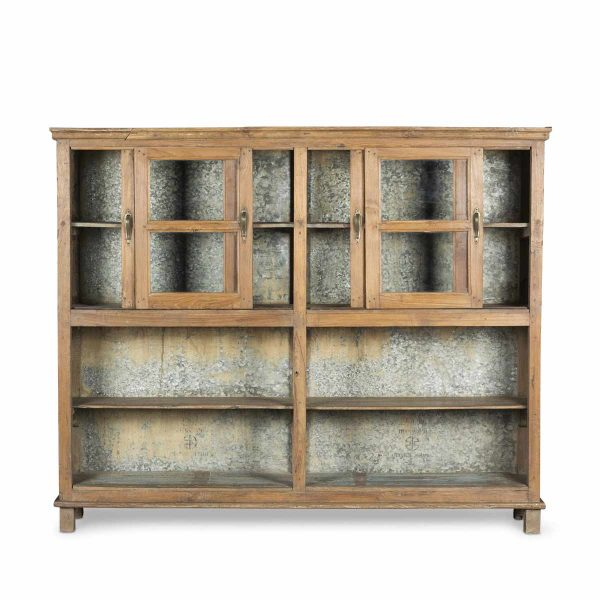 Second-hand display cabinets.