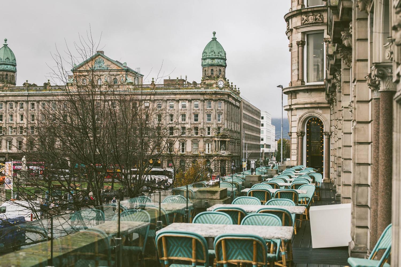 Terrasse du Café Parisien à Belfast.