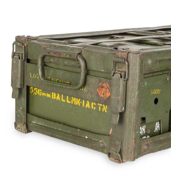 Objetos militares para atrezzo.