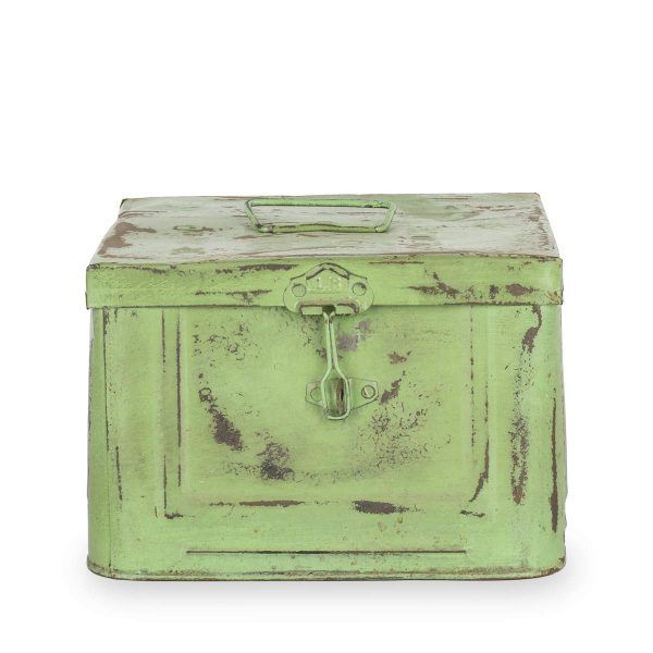Caja decorativa metálica verde.