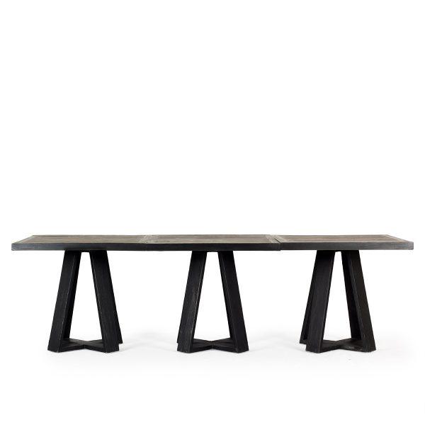 Set de trois tables carrées.
