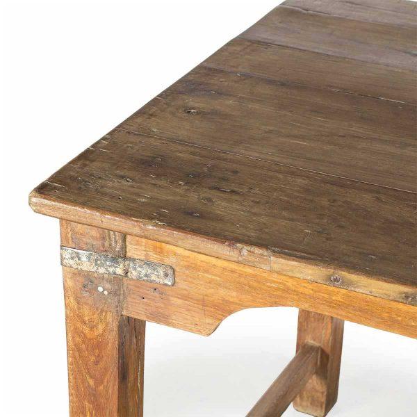 Mesas antiguas vintage para restaurantes.
