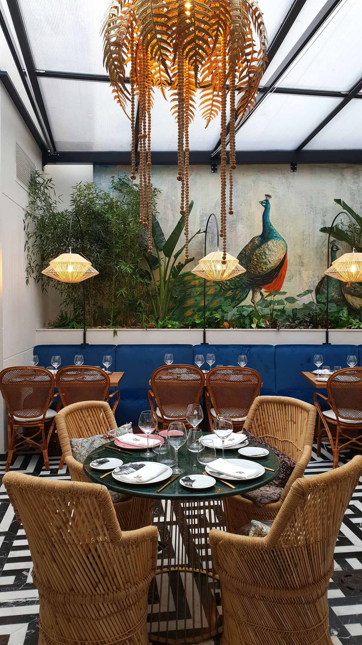 Projets décoration restaurants exotiques.