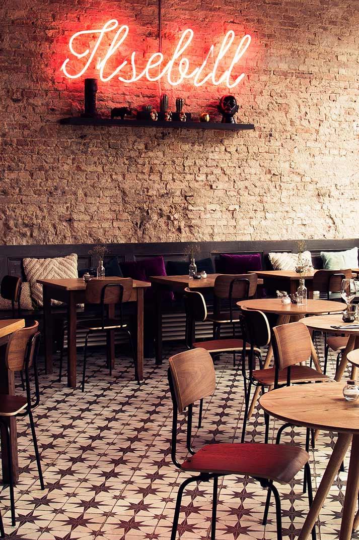 Restaurantes interiores.